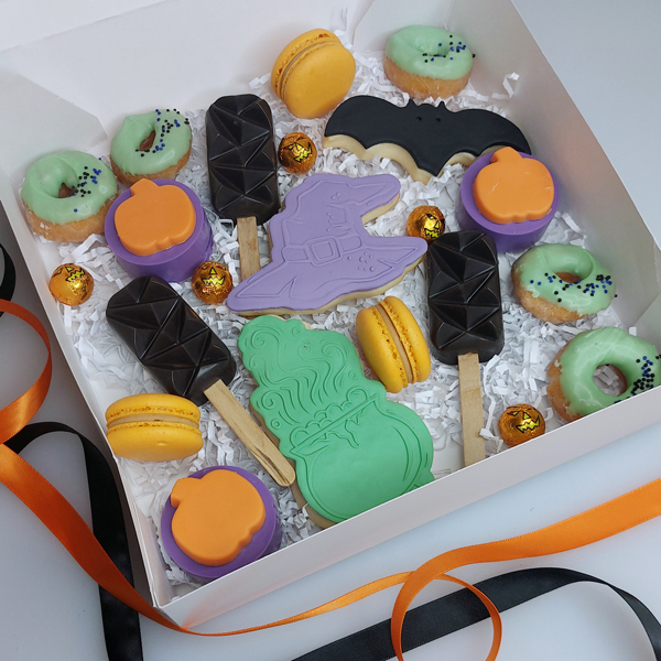 Halloween Mix Dessert Boxes